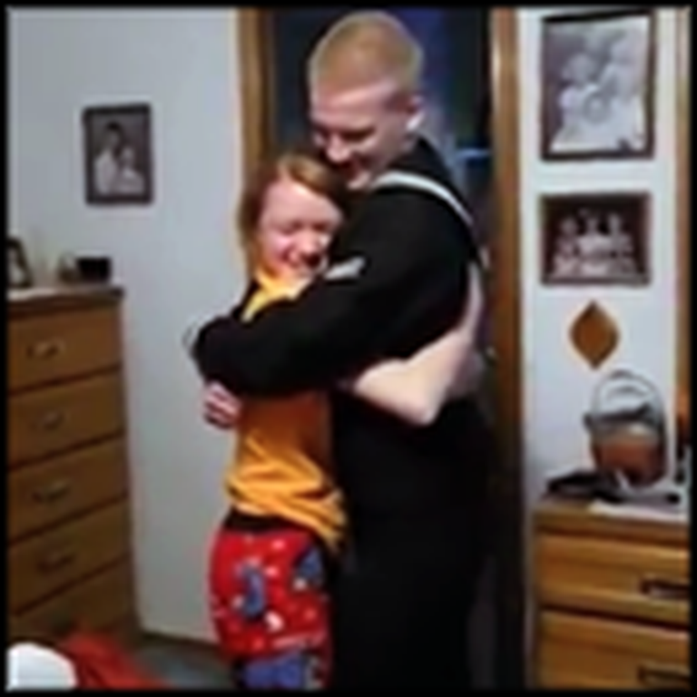 Sailor Surprises All 6 of His Siblings, then Mom and Dad