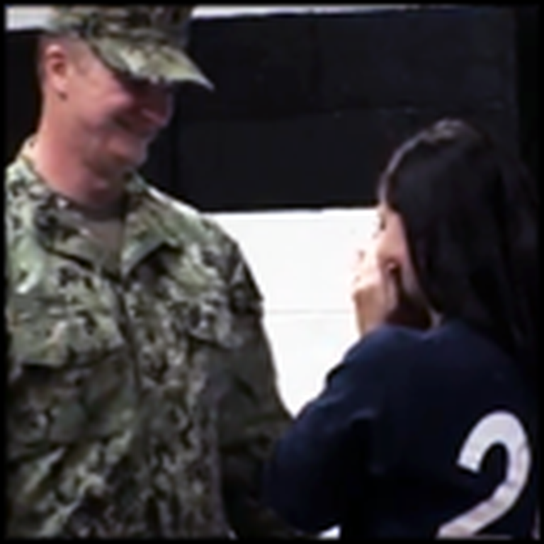 Soldier Father Surprises His Daughter at School - Straight From Kuwait