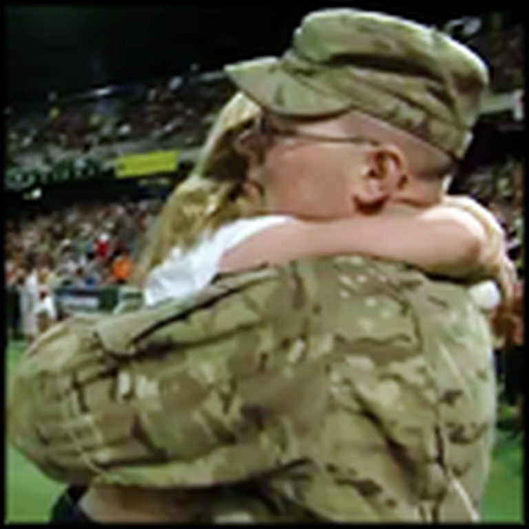 Soldier Gives His Daughter an Amazing Surprise at a Baseball Game