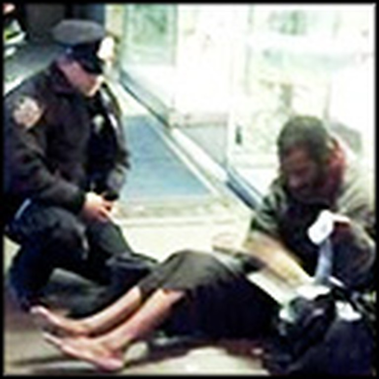 One Cop's Act of Kindness to an Elderly Homeless Man will Stun You
