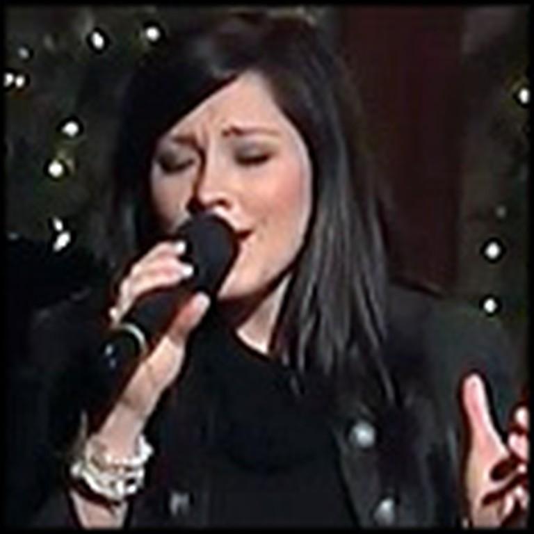 Kari Jobe's Christmas Performance of O Holy Night