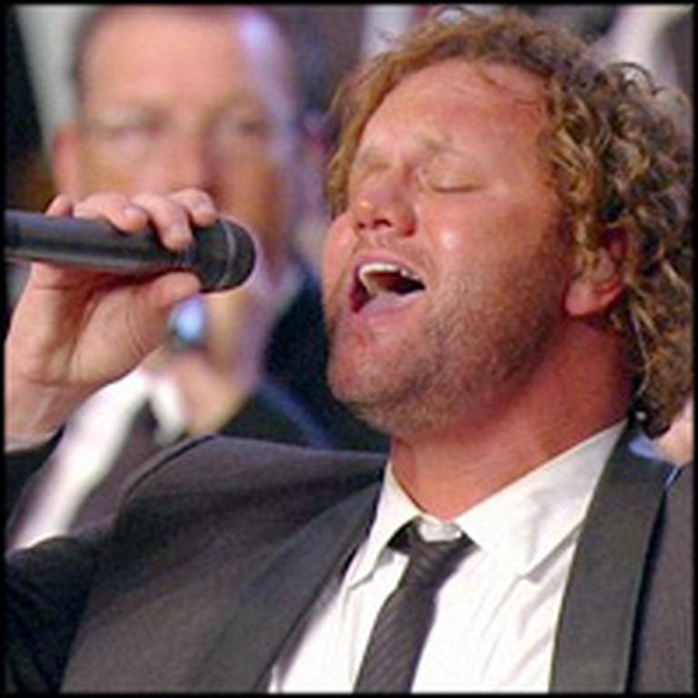 David Phelps Performance of He's Alive Will Give You Chills