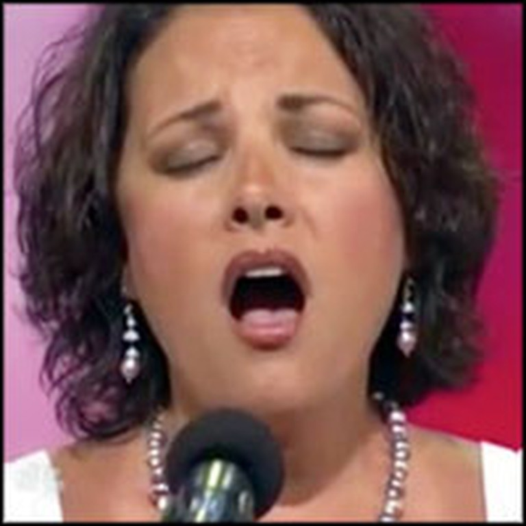Mother and Cancer Survivor Inspires the Country With Her Phenomenal Voice