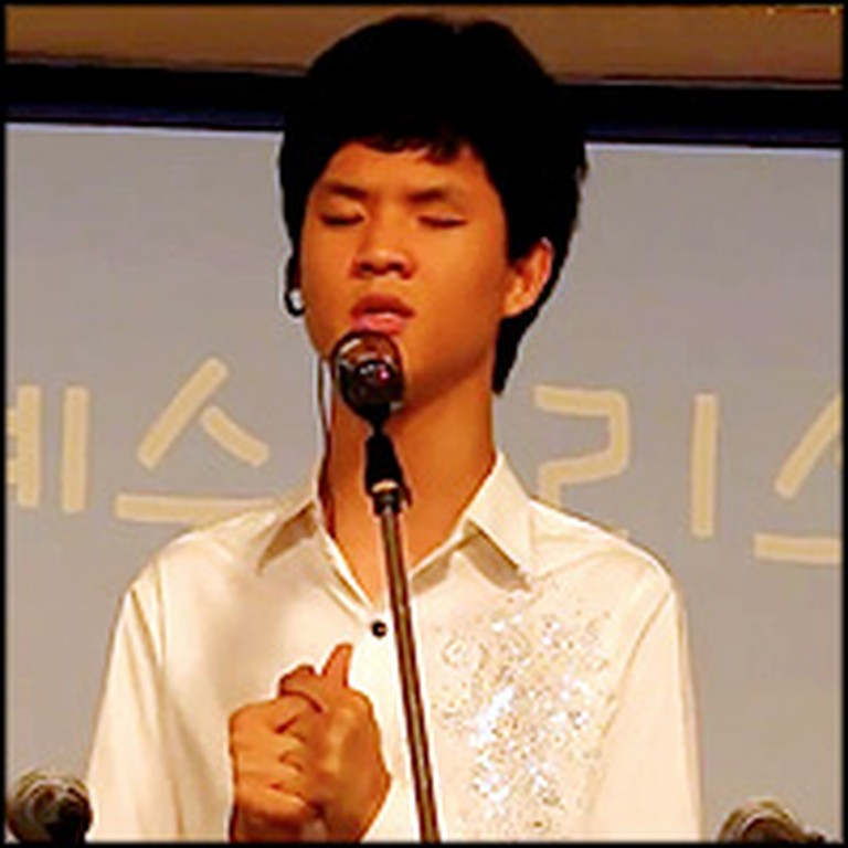 Blind Korean Boy Singing