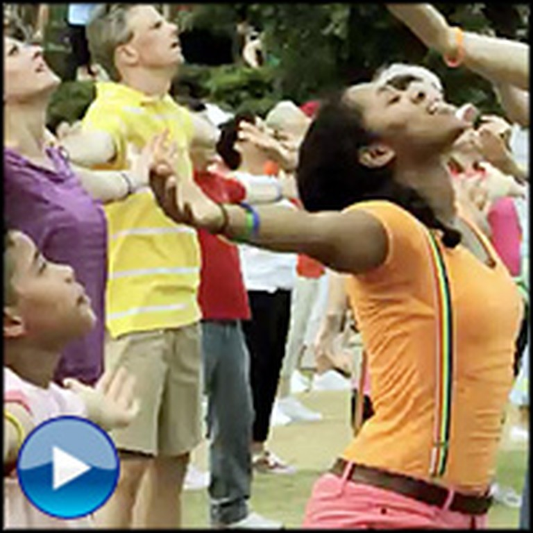 Hundreds of Christians Dance for Jesus in This Uplifting Flash Mob