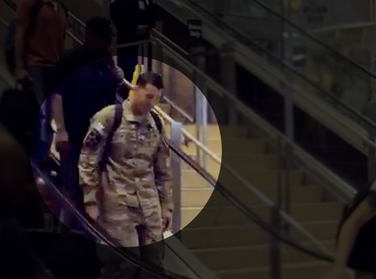 A Soldier Got Off his Plane... and Was Given the Most Touching Surprise.