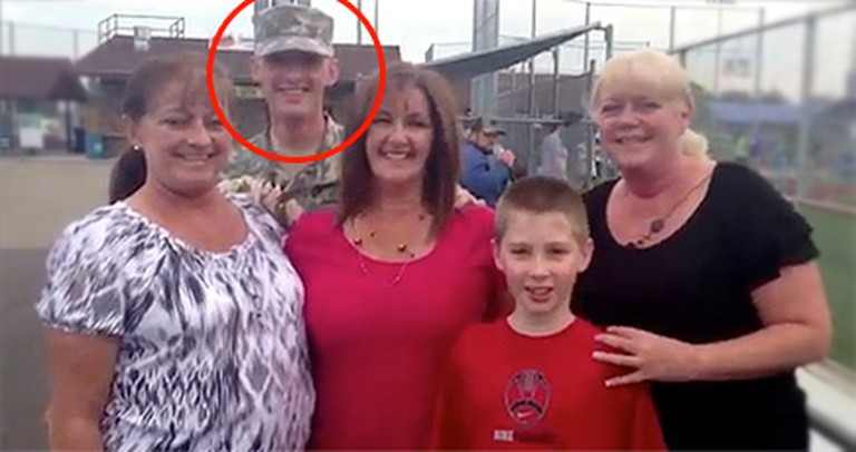 A Soldier Sneaks Into a Family Photo... You Gotta See Mom's Reaction!