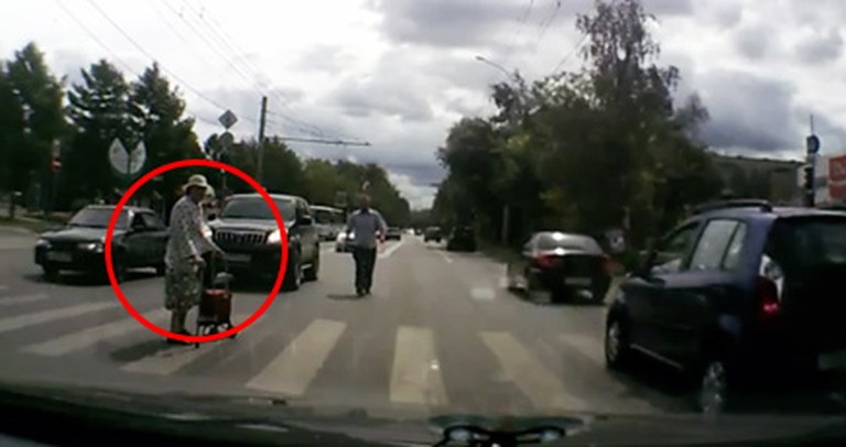 Dashboard Camera Catches an Amazing Act of Kindness