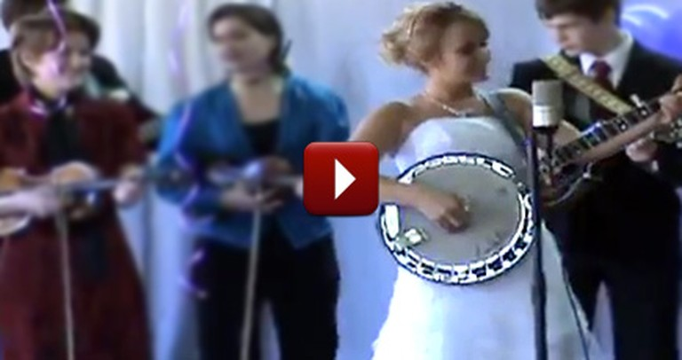 Talented Bride Celebrates her Wedding Day with an Epic Banjo Performance