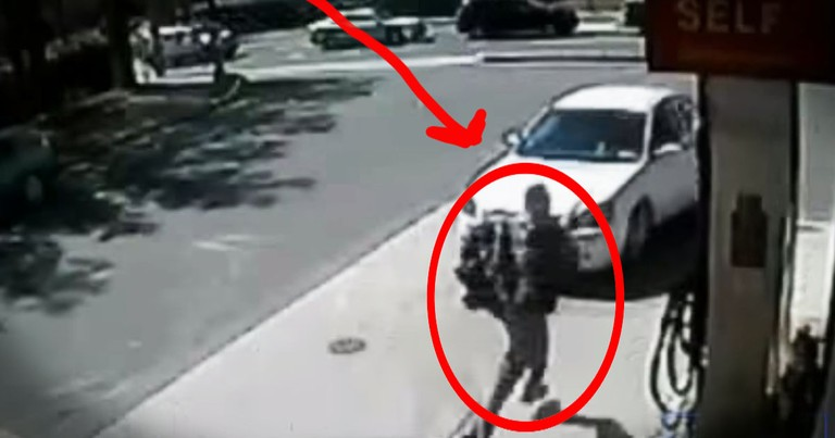 This Stranger Ran To Rescue 3 Kids, Inches from a Busy Street. At 1:15 See Why This a MIRACLE!