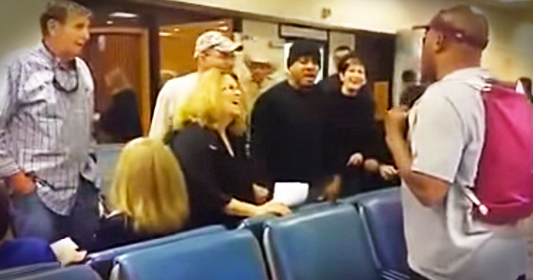 Who Else Wishes They Could Have Seen THIS? They're Praising God In The Airport, And It's Incredible!