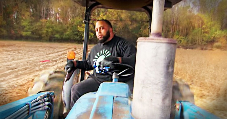 NFL Player Leaves MILLIONS To Farm For The Hungry
