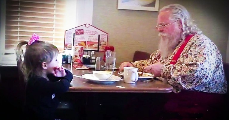 Sweet Little Girl Sits With Santa So He Won't Have To Eat Alone