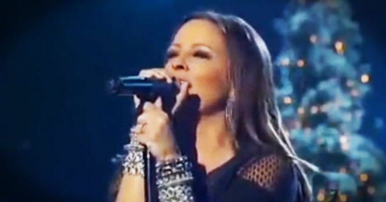 Sarah Evans Sings 'Go Tell It On The Mountain'