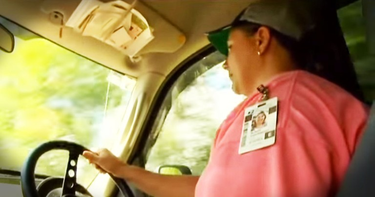 What This Mail Carrier Found Along Her Route Made Her A HERO!