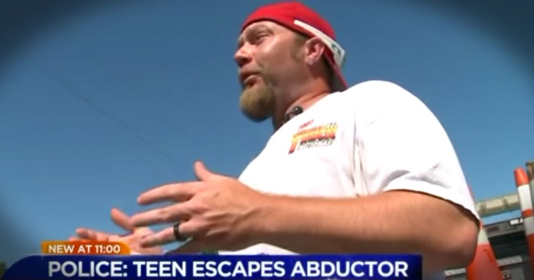 She Yelled 'He's Trying To Kill Me!' And This Construction Worker Jumped To Her Rescue!