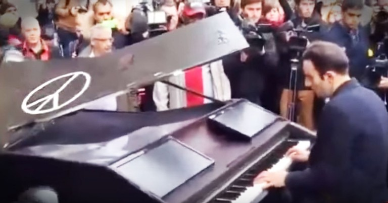 Pianist Drives 400 Miles To Play 'Imagine' For Paris Victims