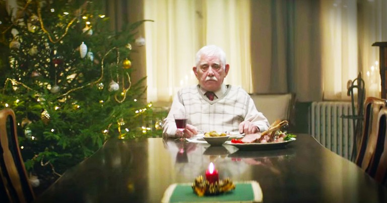 Family Forgot This Grandpa On Christmas Until He Did THIS.