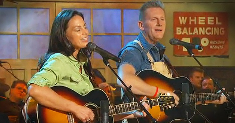 Joey+Rory Singing Together Will Have You In Tears