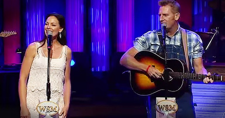 Joey + Rory Singing With Their Daughter Left Me In Tears