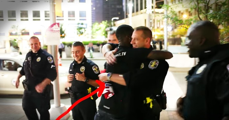 Free Hugs For Cops Spreads Hope