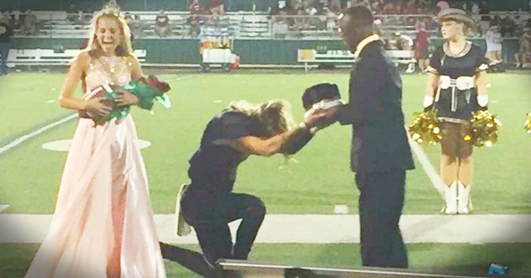 Homecoming King Gives His Crown To His Friend He Thought Really Deserved It