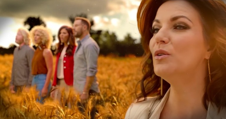 Country Artists All Joined To Sing This Jaw-Dropping Mashup Of Classics