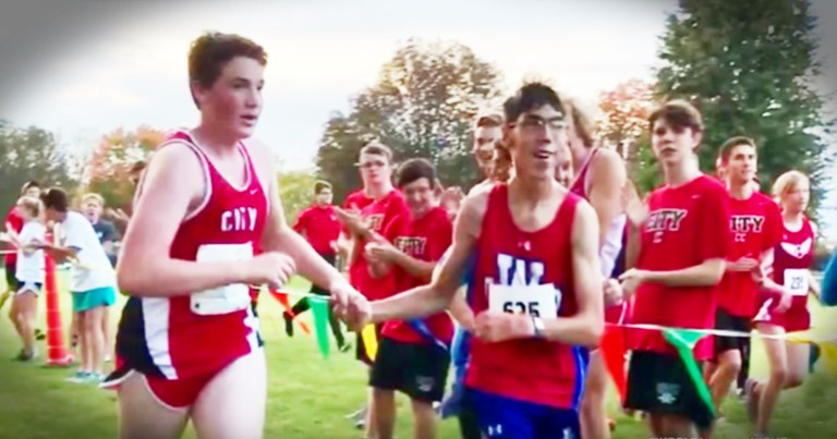 Teen Runner's Act Of Kindness For A Competitor Is Proof Kindness Wins