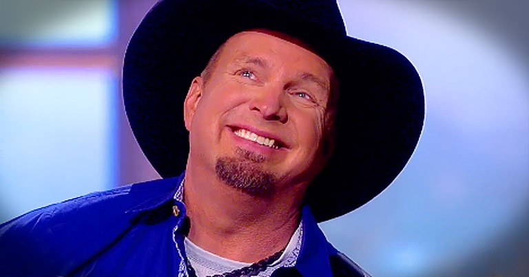 Garth Brooks Tears Up Singing 'What I'm Thankful For' This Holiday Season