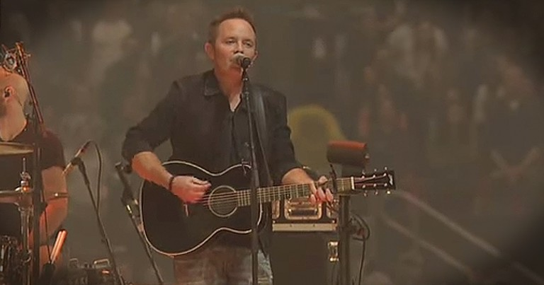 Praise-Worthy Live Performance Of 'Good Good Father' From Chris Tomlin