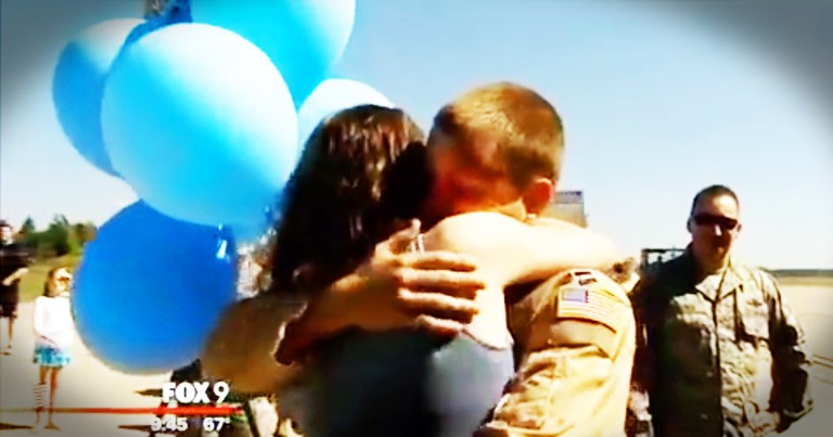Soldier Returns From Deployment To Find His Wife Holding A Bunch Of Blue Balloons