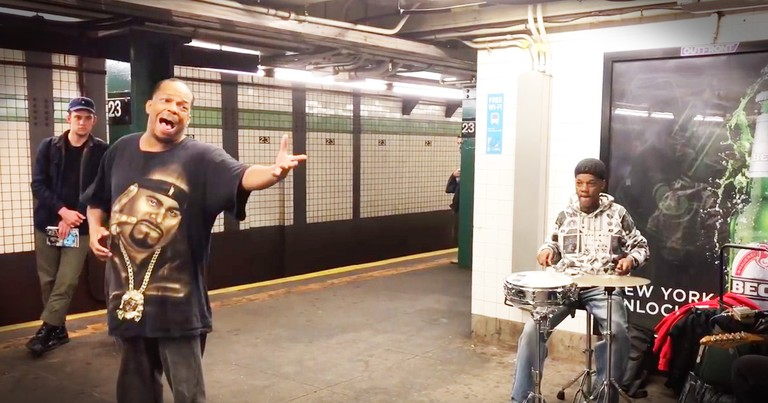 This Subway Singer Is Going Viral, When You Hear His Voice You'll Know Why