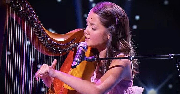 Talented 12-Year-Old Girl Wows With Beautiful Playing Of Harp And Her Angelic Voice