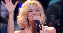 Carrie Underwood Sings Thank God For Hometowns - Pray for Oklahoma