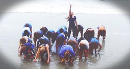 Moving Dance To Hillsong's 'Oceans' Is INCREDIBLE!