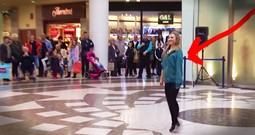 40 Irish Dancers Surprise Shoppers With Awesome Flash Mob