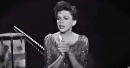 Judy Garland Singing 'The Battle Hymn Of The Republic' Will Give You Chills