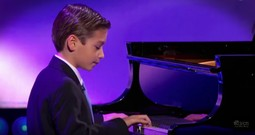 9-Year-Old Pianist WOWS With Classic Performance
