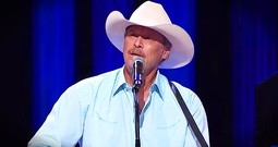 Country Star's Flashback Performance Left Us All Emotional