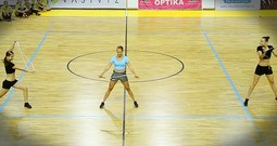 3 Women Perform Incredible Synchronized Jump Rope Routine