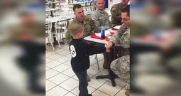 5-Year-Old Thanks Soldiers Eating At The Mall Food Court