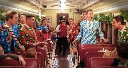 Christmas Flash Mob On A Train Has Everyone Smiling