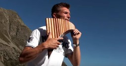 David Döring's Unbelievably Beautiful Panflute Rendition Of 'Amazing Grace'