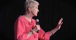 Jeanne Robertson Shares Her Hilarious Experience With A Fashion Stylist