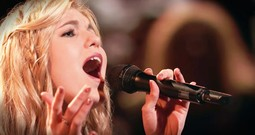 She's Singing For The Lord On TV And The Chills Are So Real