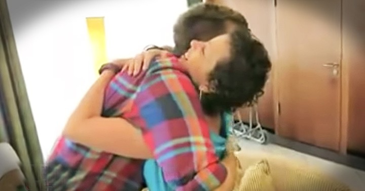 Woman Surprises Her Bone Marrow Donor With Incredible Trip And Reunion